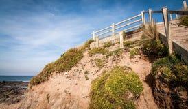 海滩步在康沃尔郡 库存照片