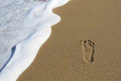 海滩步行 免版税库存照片