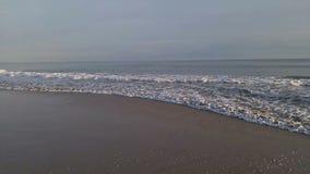 海水波浪和沙子海滩 股票录像