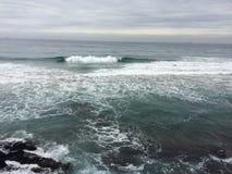 海滩海浪水新精神寒冷 库存图片
