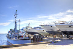 海洋游艇立场  库存图片