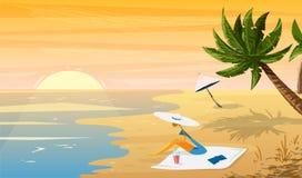 海滩热带日落风景的妇女与棕榈树和伞 免版税库存图片