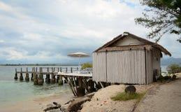 海滩的一个小屋在巴厘岛,印度尼西亚 免版税库存照片