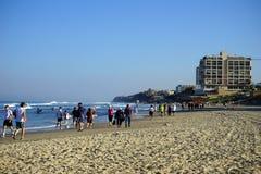 海滩的人们 免版税库存照片