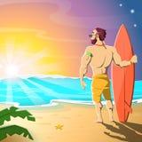 海滩的冲浪者 钓鱼海运海鸥天空的小船腾飞日出 热早晨夏天 免版税库存照片