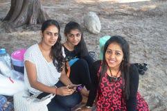 海滩的印地安女孩 免版税图库摄影