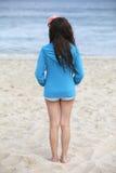 海滩的女孩。 免版税库存图片