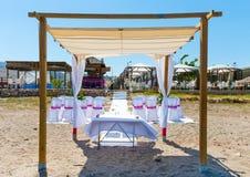 海滩的婚礼地点 库存图片