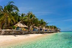 海滩的平房,菲律宾 免版税库存照片