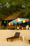 海滩的按摩商店 免版税图库摄影