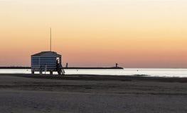 海滩的救生员房子 免版税库存照片