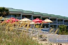 海滩的旅馆 免版税库存照片