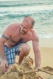 海滩的有胡子的人 库存图片