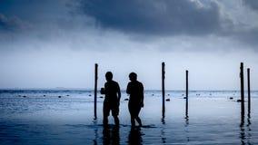 海滩的朋友 免版税图库摄影