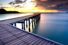 海滩的木板走道 库存图片