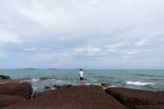 海滨的渔人 库存照片