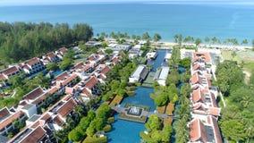 海滩的美丽的旅馆 通风 影视素材