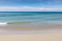 海滩的风平浪静 免版税库存照片