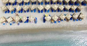 海滩的鸟瞰图芦粟海岛希腊海岛  免版税库存照片