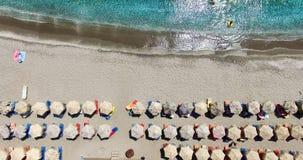 海滩的鸟瞰图芦粟海岛希腊海岛  图库摄影
