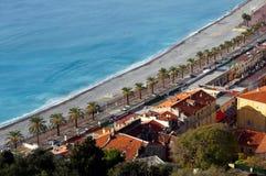 海滩看法在尼斯从上面 库存图片