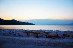 海洋石小山 免版税图库摄影