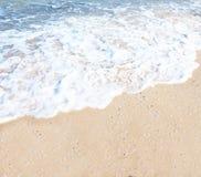 海滩石海波浪 免版税库存图片