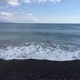 海滩石蓝色圣托里尼假日旅行 免版税库存照片