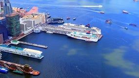海洋终端和香港瓷轮渡码头 免版税库存图片