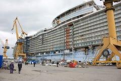 海建筑的绿洲 免版税图库摄影