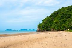 海滩美丽的景色 免版税库存图片