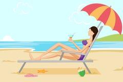 海滩美丽的松弛妇女 库存图片