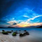 海洋美好的日落风景 免版税库存照片