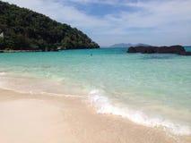 海滩美好的海岛ko发埃泰国 免版税库存图片