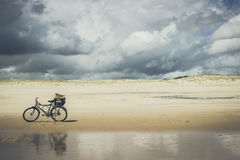 海滩自行车 图库摄影