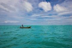 海洋船钓鱼 免版税图库摄影