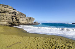海滩绿色沙子 免版税库存图片