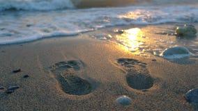 海滩英尺打印沙子夏天跟踪假期 免版税库存图片
