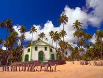 海滩蓝色教会海运天空夏天 免版税库存照片