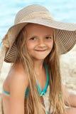 海滩画象的小女孩 免版税库存图片