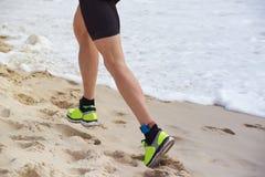 海滩赛跑者 图库摄影