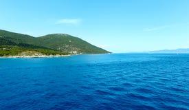 海从轮渡(希腊)的夏天视图 免版税图库摄影