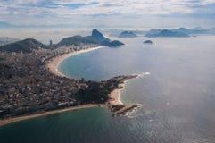 海滩里约热内卢从上面 图库摄影