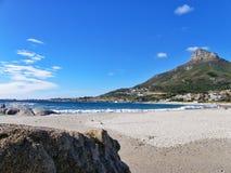 海滩野营海湾,开普敦,南非 免版税图库摄影