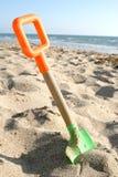 海滩铁锹 免版税图库摄影