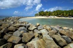 海滩防堤 免版税库存照片