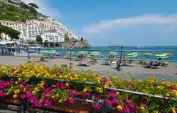 海滩阿马飞,意大利 免版税库存照片