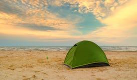 海滩黄雀色费埃特文图拉岛海岛西班牙帐篷 免版税库存照片