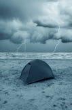 海滩黄雀色费埃特文图拉岛海岛西班牙帐篷 免版税库存图片