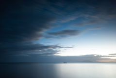 海滩风险感受产生慢的软的日落非常通知 灰狼,八打雁省,菲律宾 免版税库存图片